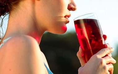 Cranberry Juice fights Urinary Tract Infection
